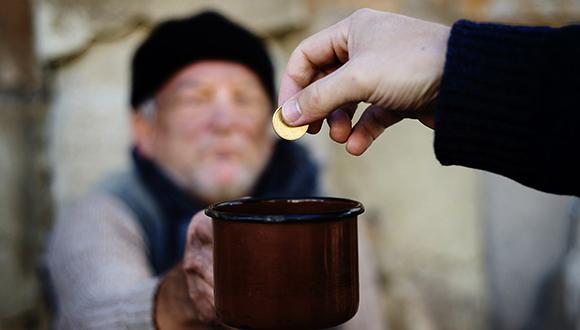 יותר ממחצית מהישראלים תורמים לנזקקים
