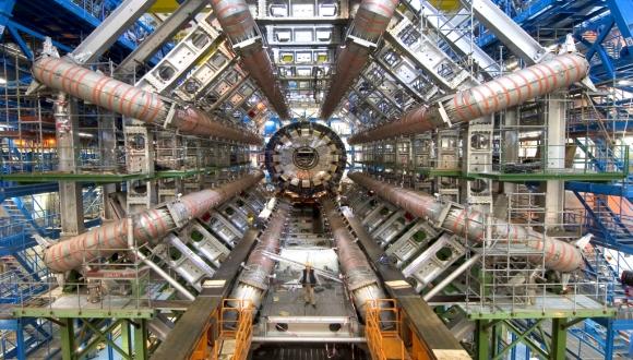 מהמפץ הגדול לחלקיק הקטן - במעבדת CERN